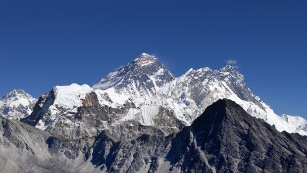 Mount Everest Snow